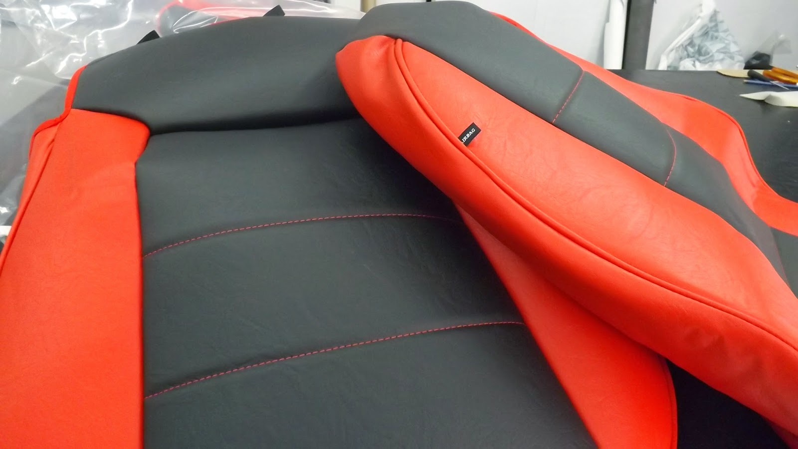 Tapizar asientos coche polipiel awesome tapizar asientos for Tapizar asientos coche barcelona